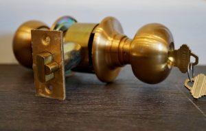 Riesgos en la cerrajería y medidas de protección